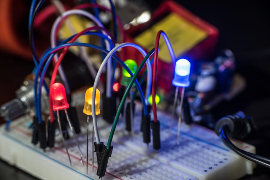 Wi-Fi電波から3~4秒の充電で、LEDを1分発光させる