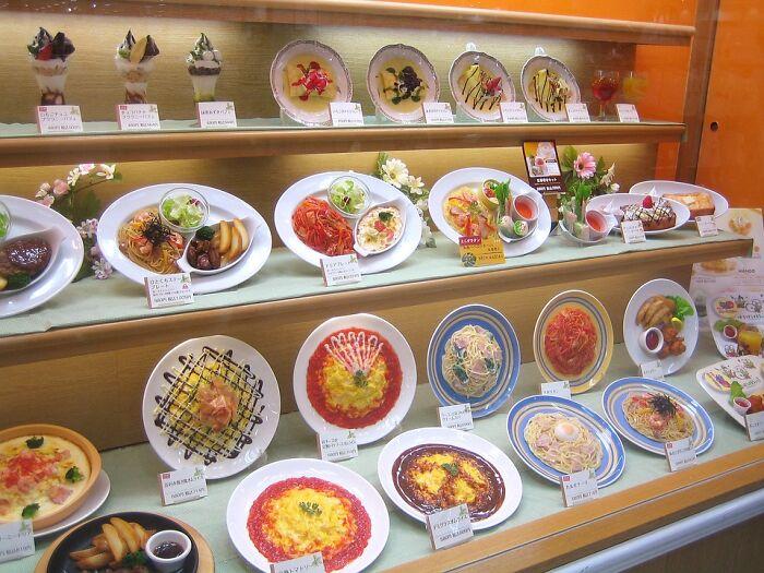 料理サンプルも日本特有の文化