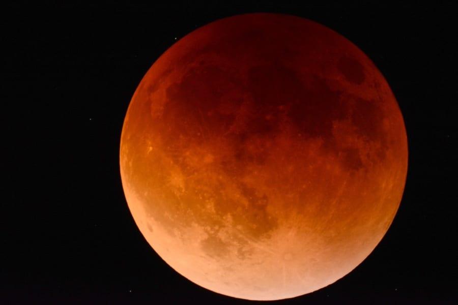 26日(水)夜の「スーパームーン皆既月食」を最大限に楽しむ方法
