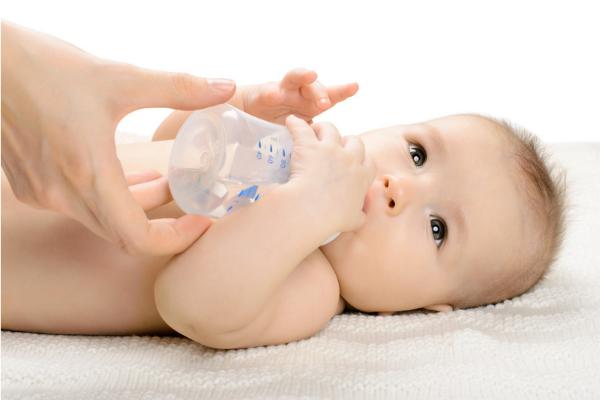 赤ちゃんは「大人には見えないもの」が見えているという報告