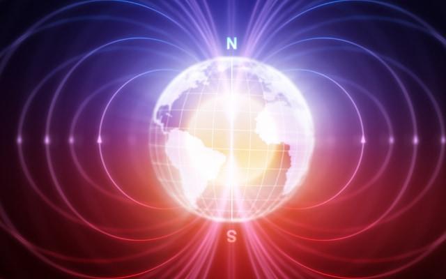 地球磁場は、液状の外核の対流から発生している