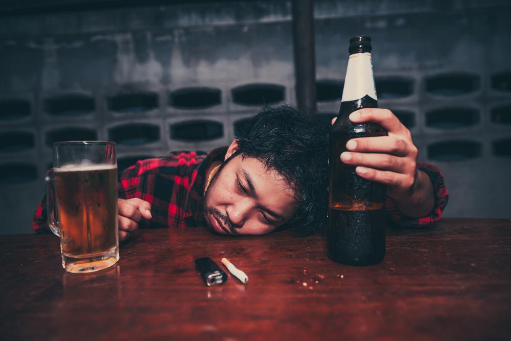 アルコールに強い人は飲酒量が多くなる