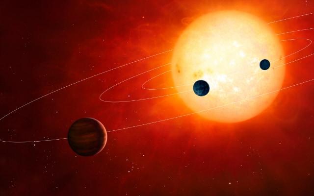 太陽の前を通過する太陽系の惑星たち