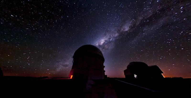 チリにあるダークエネルギーサーベイの拠点セロ・トロロ天文台