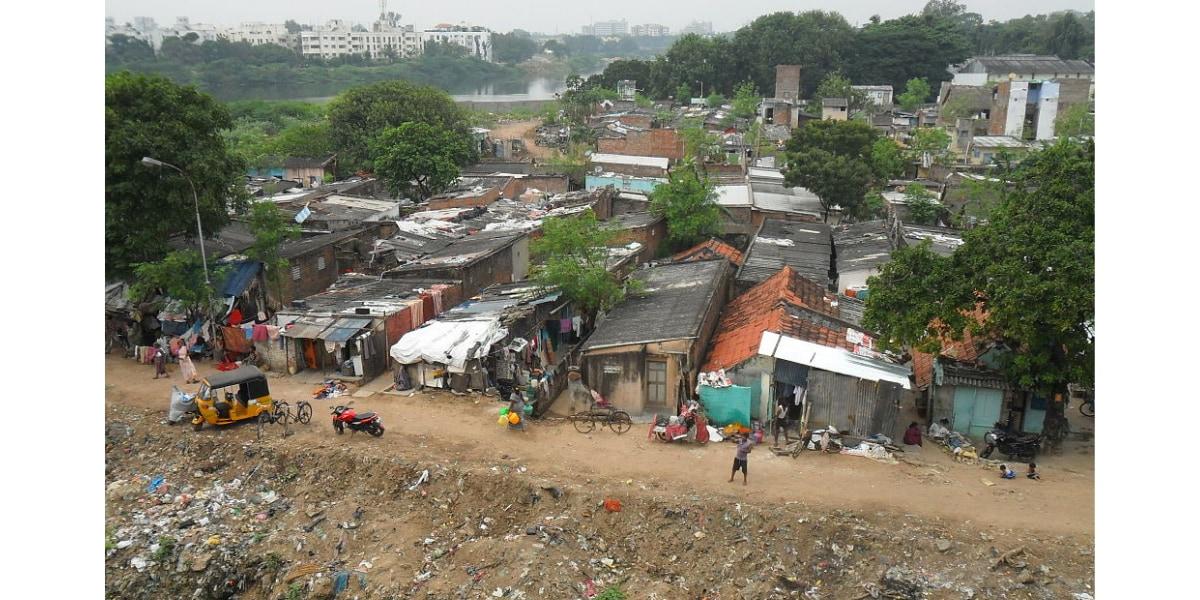インド、チェンナイのスラム街