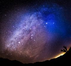 カリフォルニア州モハーベ国立保護区で撮影された天の川銀河の中心部