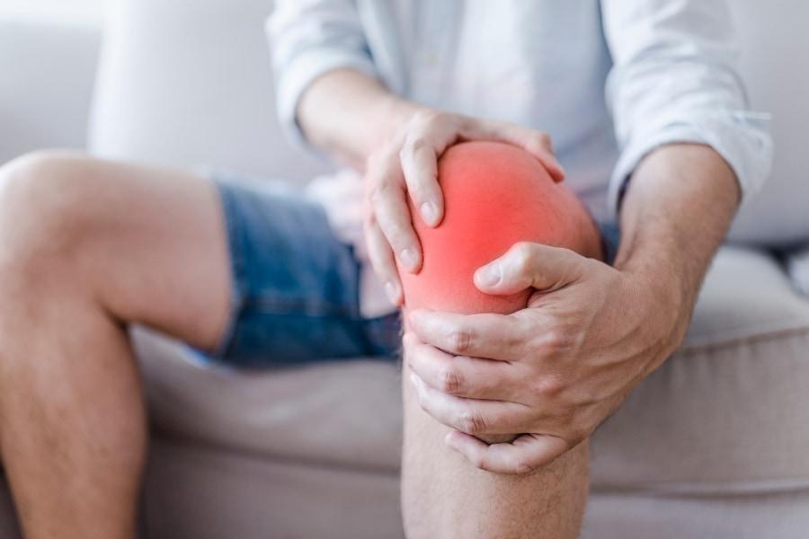 生活に支障をきたす強い痛みが長期間続く慢性疼痛