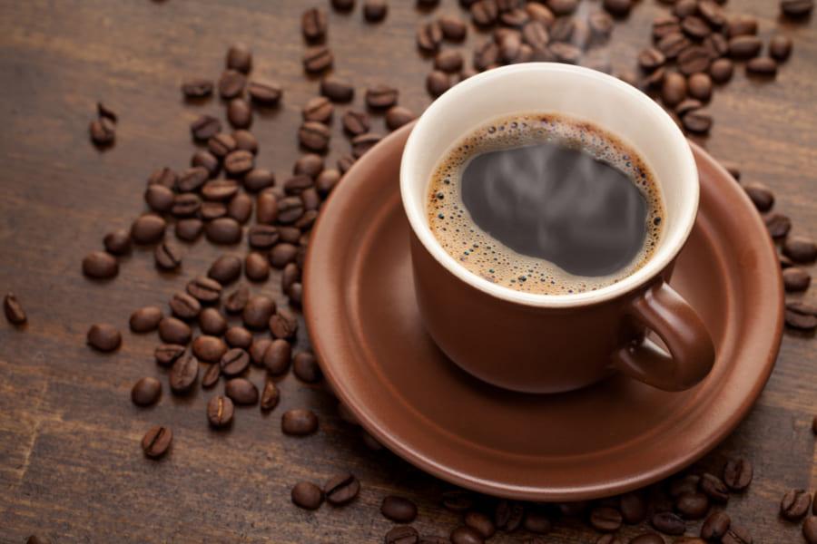 「1日6杯以上のコーヒー」が脳を萎縮させ認知症リスクを高めるという研究