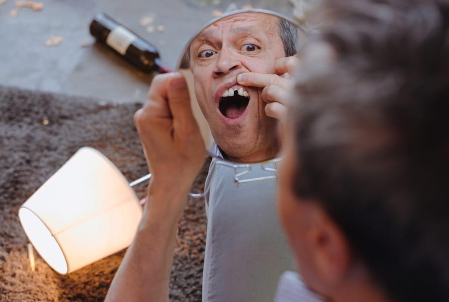 歯を失うごとに認知症のリスクが高まると明らかに!「入れ歯」が認知症予防になる可能性も