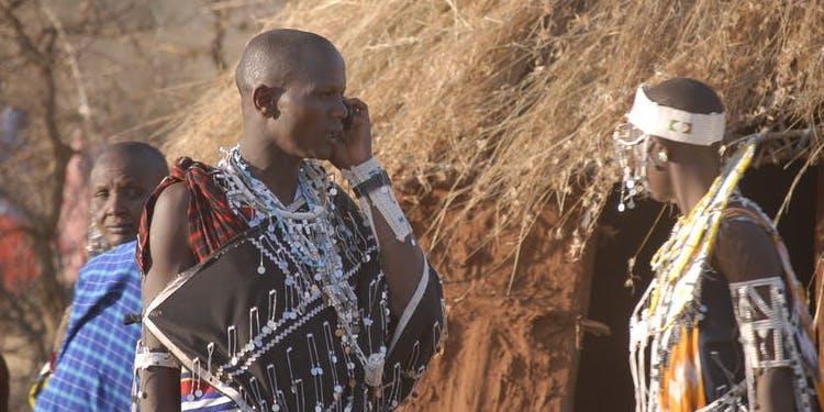 マサイ族は「間違い電話」で友人を作る?