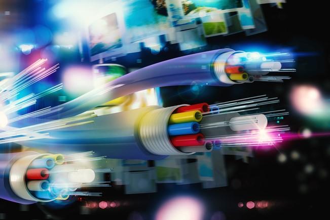 「4コア光ファイバ」を使い日本がインターネット通信速度で世界記録を更新
