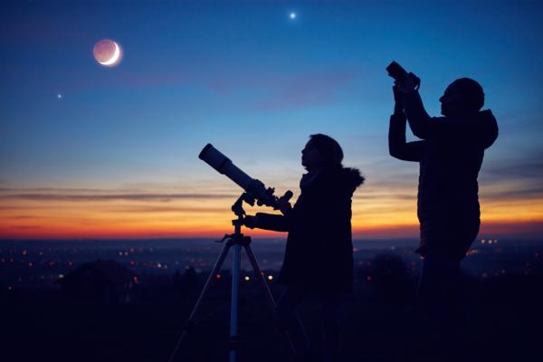 地球のどこからでも同じような天体観測ができる