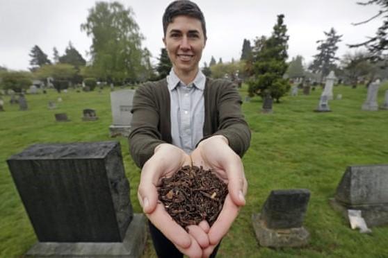 アメリカの州で続々と故人の堆肥化が合法化 環境に優しい埋葬へ