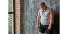 新たな研究は肥満の人が運動すると、身体は平静時のカロリー消費を抑えようとすることを発見した