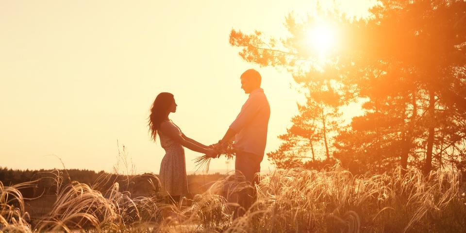 太陽光を浴びると、恋愛感情が高まると判明