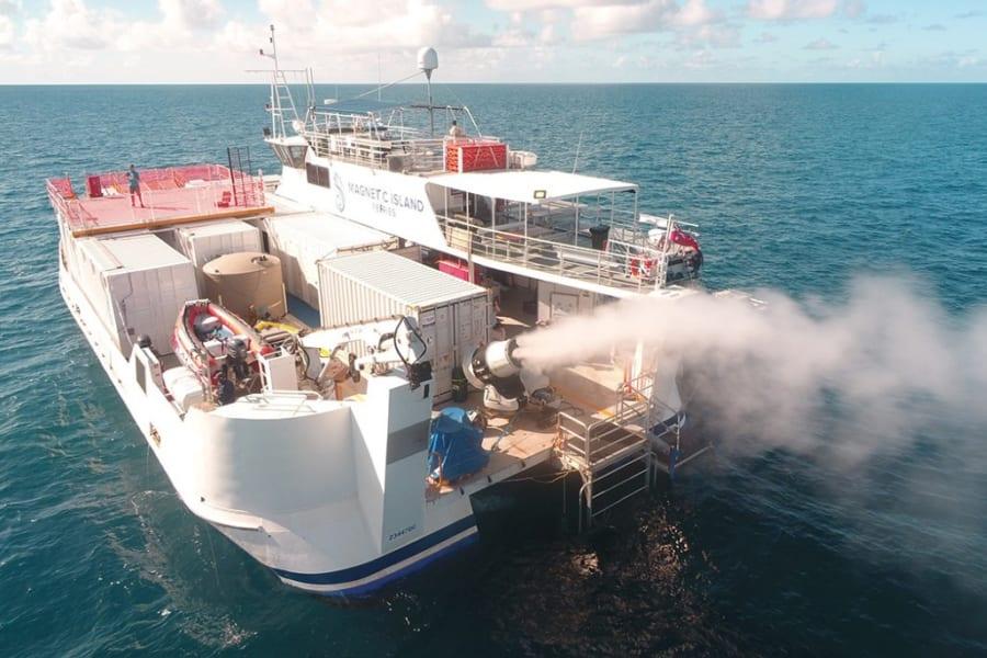 サンゴ礁を「人工的に大きくした雲」で救う計画が進行中