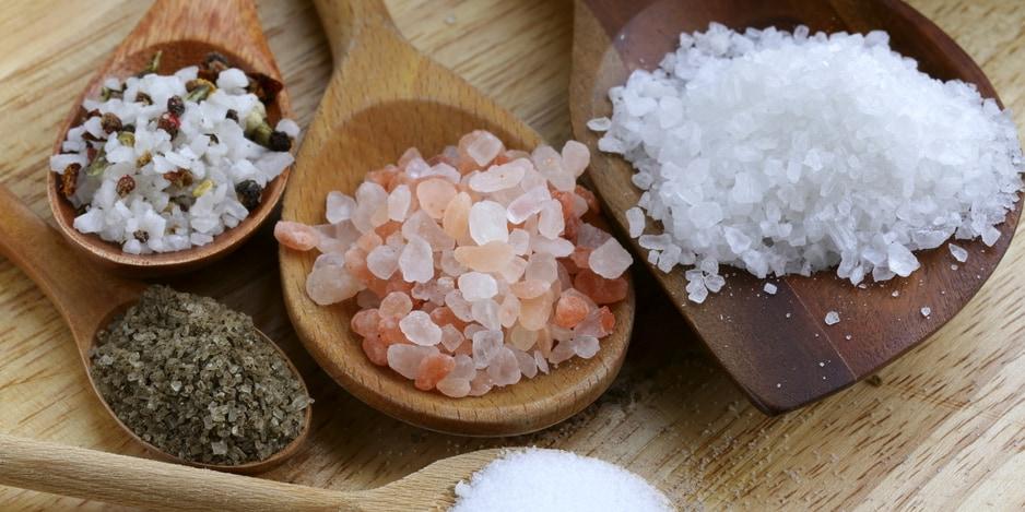 「代用塩」で死亡率や心血管リスクが地下する