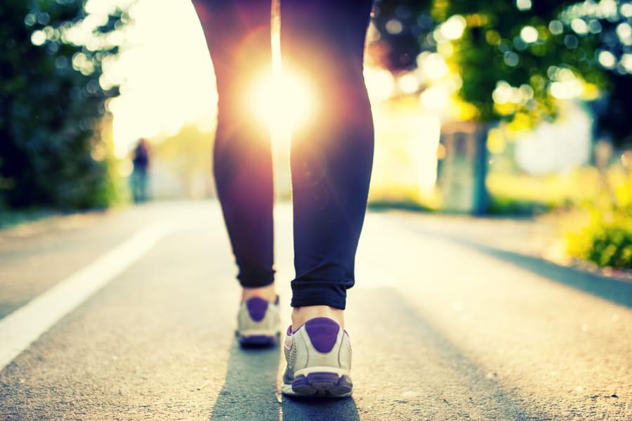 1日7000歩で65歳以下の早期死亡リスクが50%以上さがると判明