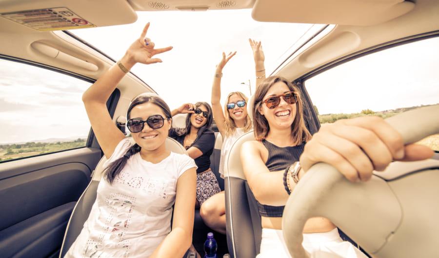 運転中に「歌詞付きのハードな音楽」をかけると事故の危険性が高まる