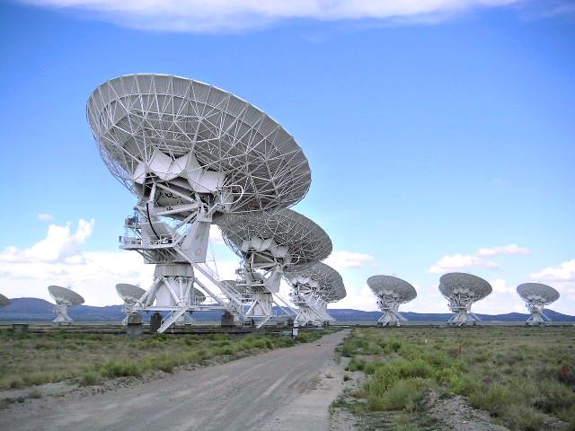 米ニューメキシコ州にあるアメリカ国立電波天文台の超大型干渉電波望遠鏡群-Very Large Array,(VLA)