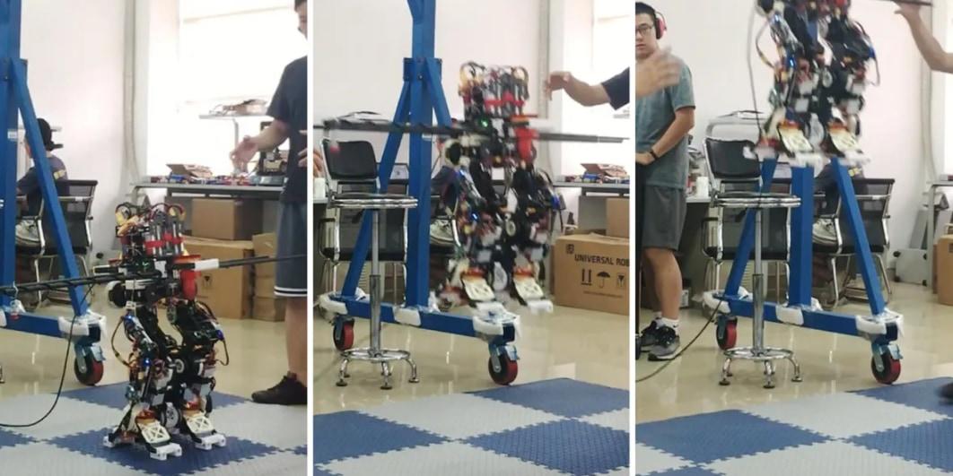 空を飛ぶ二足歩行ロボット