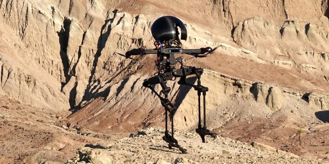 空を飛べる二足歩行ロボットLEONARDO