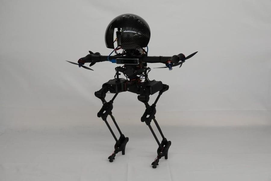 驚異的なバランス感覚を持つ「飛行可能な二足歩行ロボット」が開発される