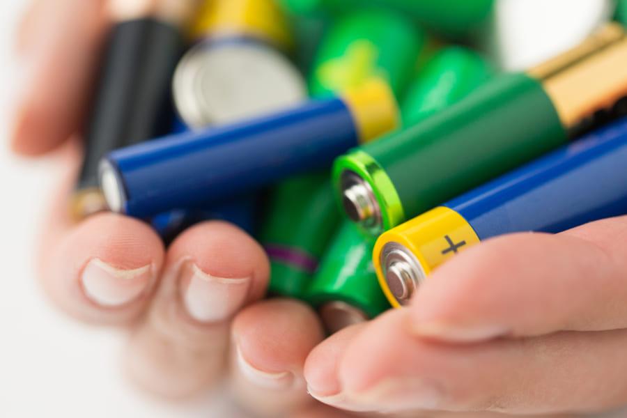 充電できる「鉄イオン電池」の開発に世界で初めて成功