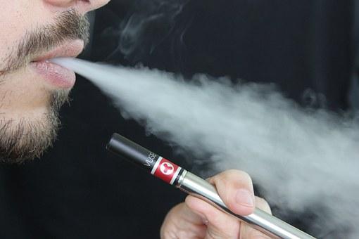 電子 タバコ 死亡