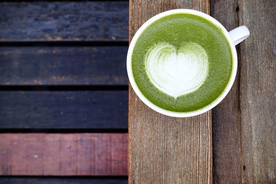 お茶を飲む習慣は脳構造にポジティブな効果をもたらす
