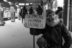 「そうだ、ホームレスの人を助けよう」と思ったときに使える9つの方法の画像 1/3