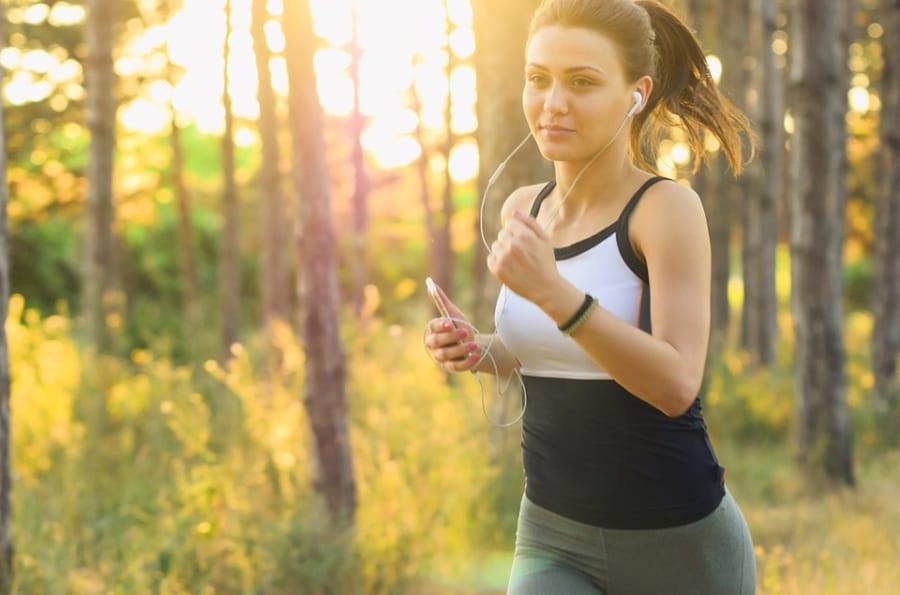 運動は朝食前がベスト。健康維持には空腹時のエクササイズが効果的と判明