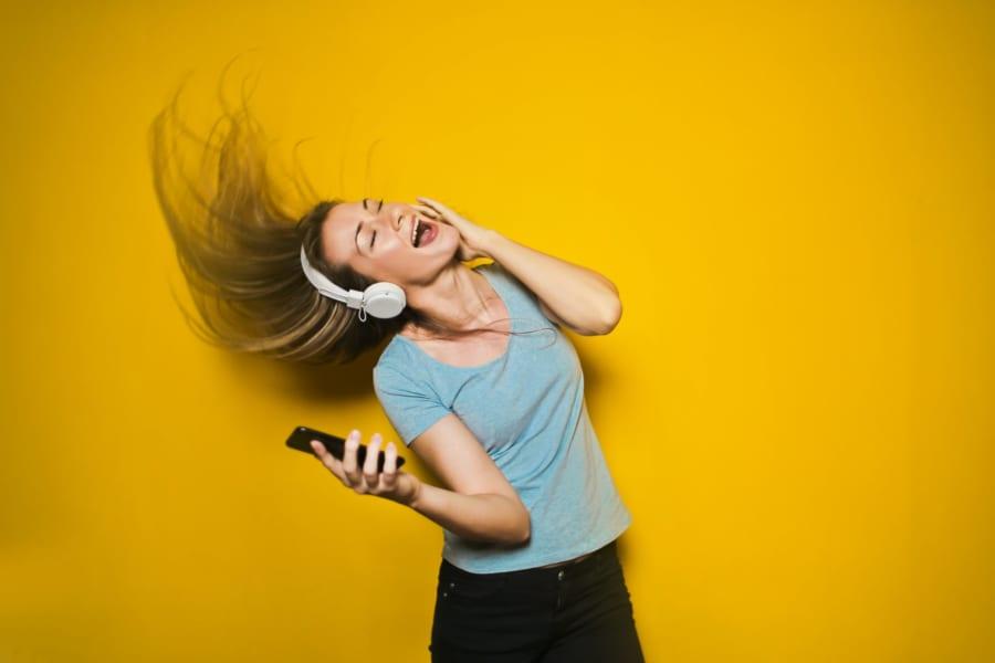 「感情移入しやすい人」は音楽を聞くと特殊な脳活動が起きることが判明