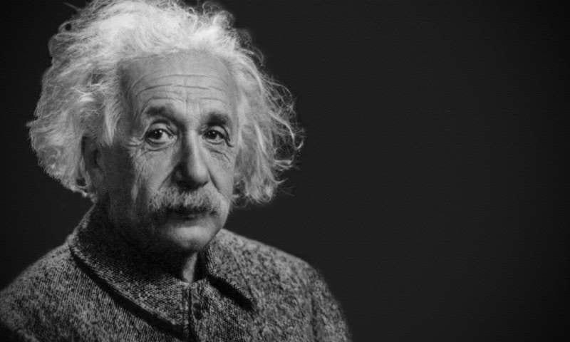 VR空間でアインシュタインになったら本当に成績が上がった人々