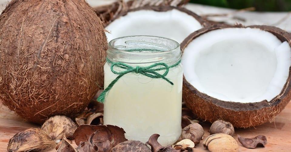 「ココナッツオイルは純粋な毒」ブームから一転、体に悪いという説が浮上