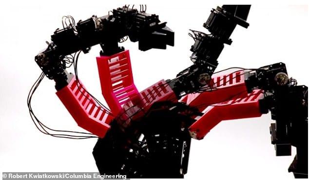 自分の存在を「知っている」ロボットが開発される。「意識」とはいったい何なのか?
