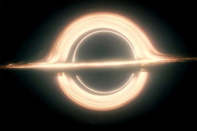 ブラックホールを扱った映画6選!あの映画と実際の写真がそっくり!?
