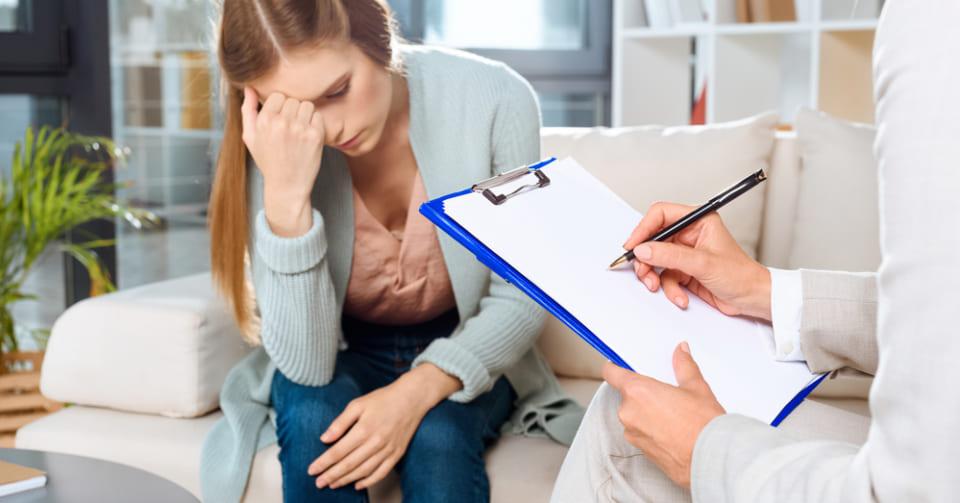 精神病リスクを持つ人の「会話の特徴」とは?