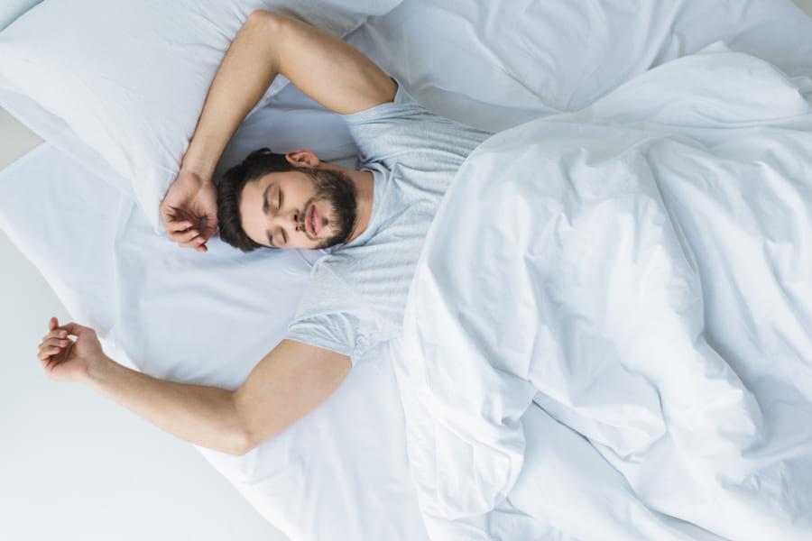 「昼間の異常な眠さ」はアルツハイマーの初期症状である可能性