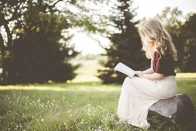 読書は脳に「永続的な影響」を与える。フィクションかどうかで違いも