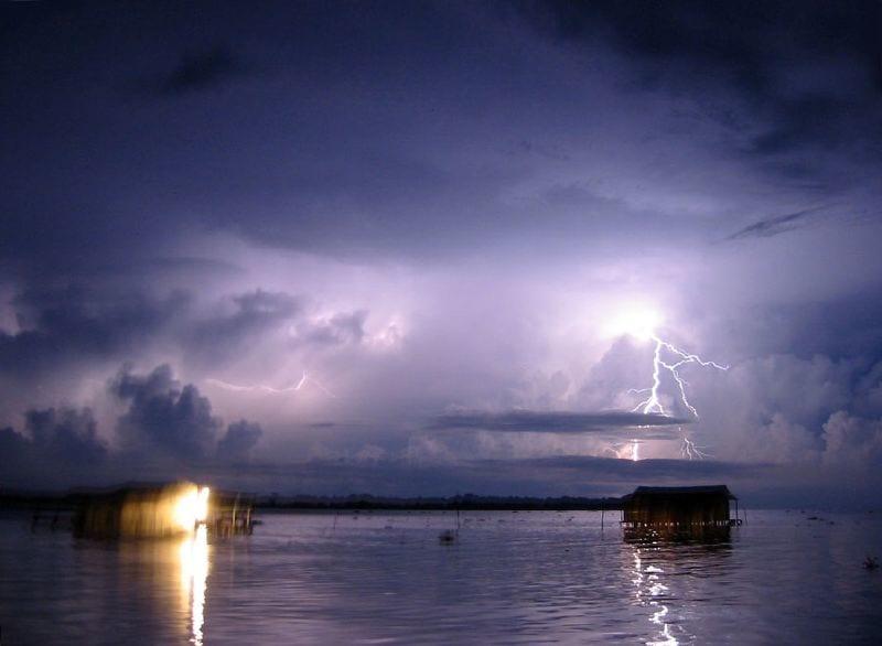 雷が1年中鳴り止まない「カタトゥンボ川」とは