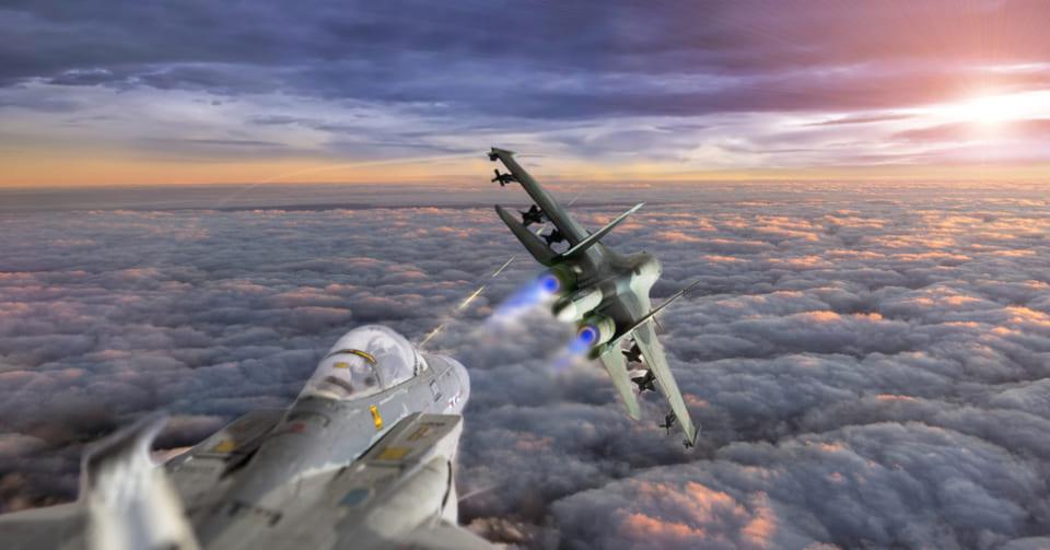 2021年に「AI搭載の無人戦闘機」と有人戦闘機が模擬空戦を行う予定(米軍)
