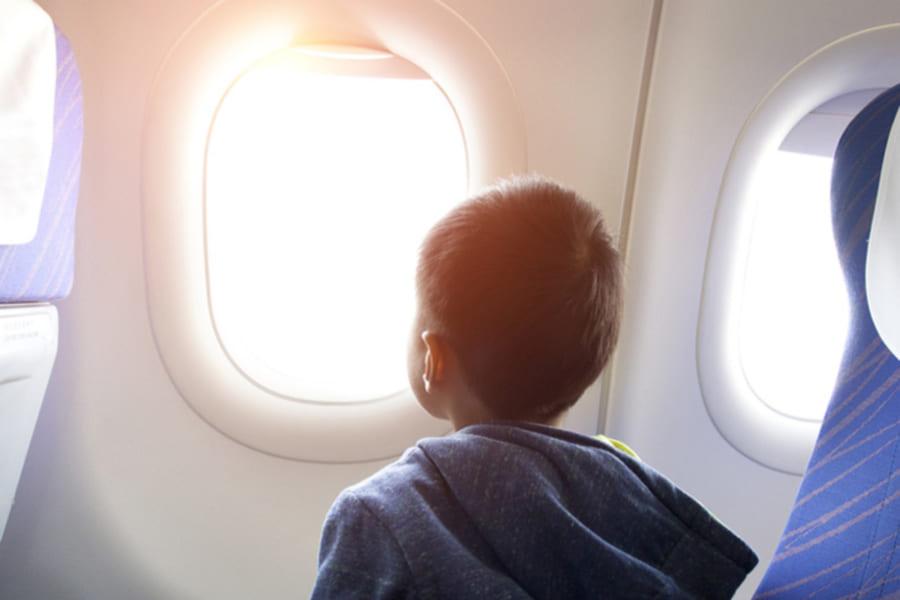 なぜ飛行機からは星が見えないの?