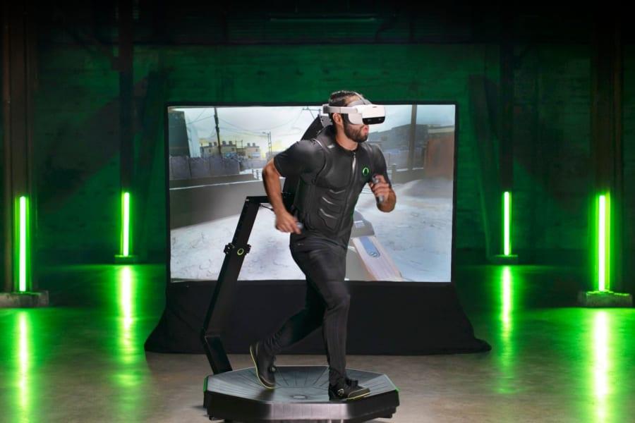 """2021年、""""実際に走って跳べる家庭用VRゲーム機""""が発売されるぞ!まるで映画『レディ・プレイヤー・1』"""