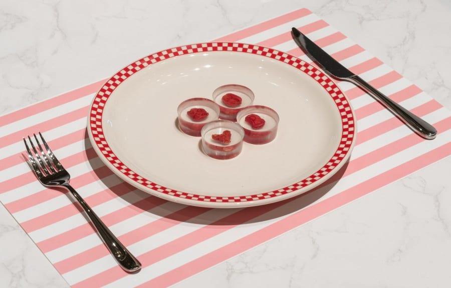 自分のほほの細胞を培養して食べる「禁忌」のウロボロスステーキが作成される