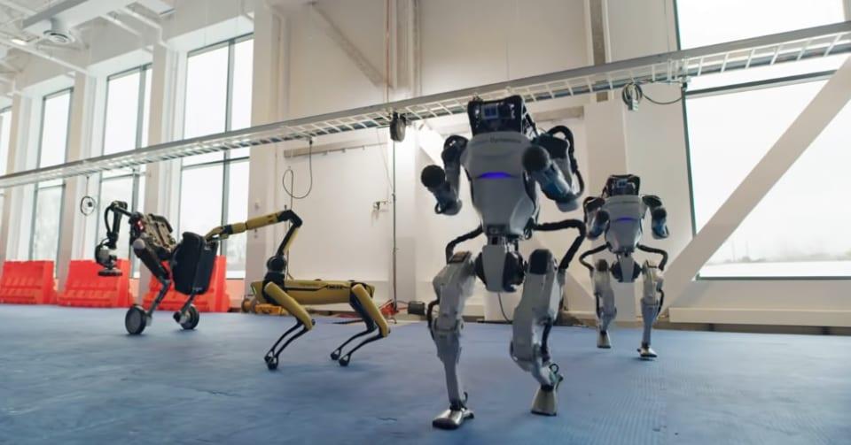 まるでCG。滑らかなロボットダンスをボストン・ダイナミクス社「Atlas」が実演!ロボット技術はココまで来た