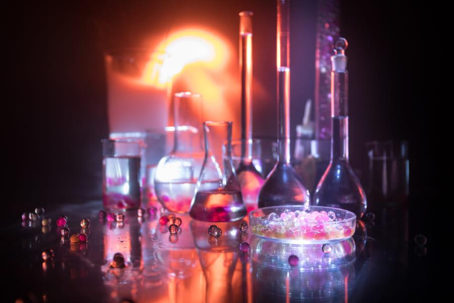 絶対に触ってはいけないキケンな化学物質ベスト7