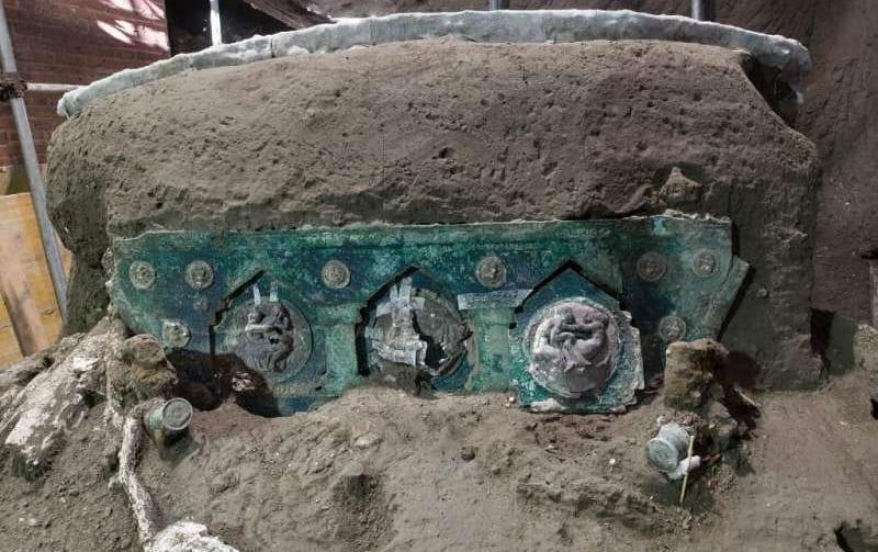 ポンペイ遺跡で「戦車」が出土! 保存状態が完ぺきで、歴史的な大発見(イタリア)