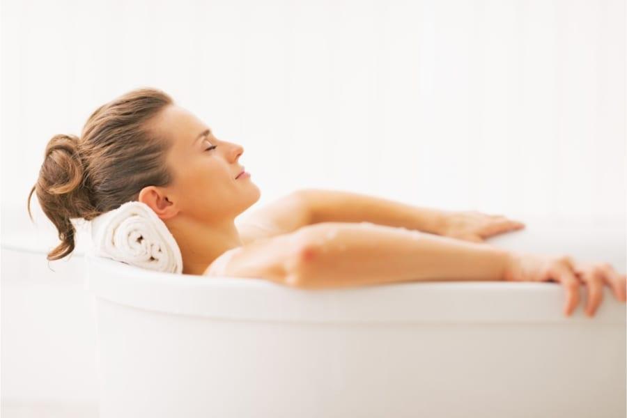 お風呂に浸かるのは、ランニングと同じくらいの運動効果がある