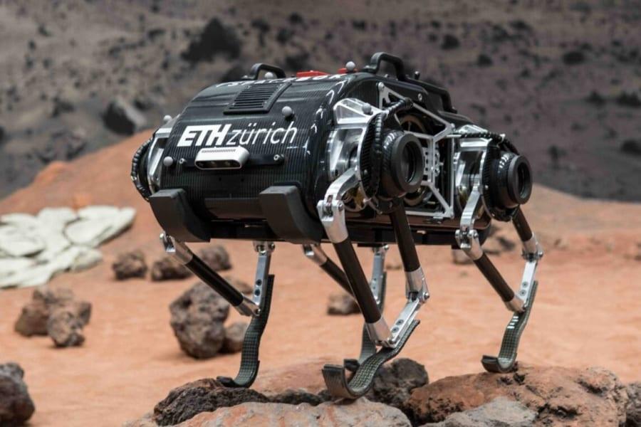 低重力でも「脚をジタバタさせて」移動できる四足歩行ロボットが開発中